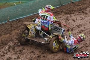 Willemsen/Bax grijpen net naast het podium in Grand Prix zijspancross